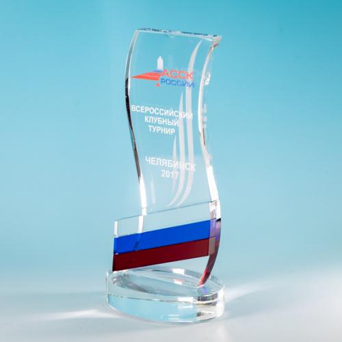 Стеклянная награда с российской символикой